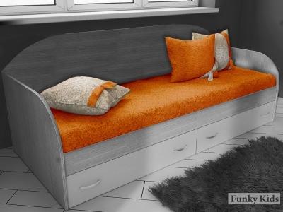 Комплект из трех подушек и покрывала Фанки